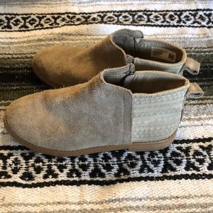 TOMS Deia Suede ankle boots girls